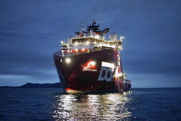 Luminell-Offhsore-LED-on-Skandi-Iceman-front
